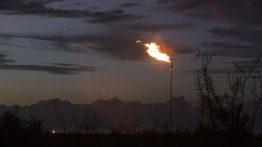 سقوط قیمت نفت بر ماینرهایی که از گاز مشعلسوزی استفاده میکنند ضربه می زند!
